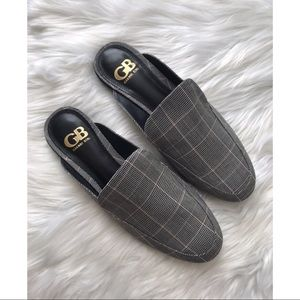 *SOLD* NWOB Gianni Bini plaid mules